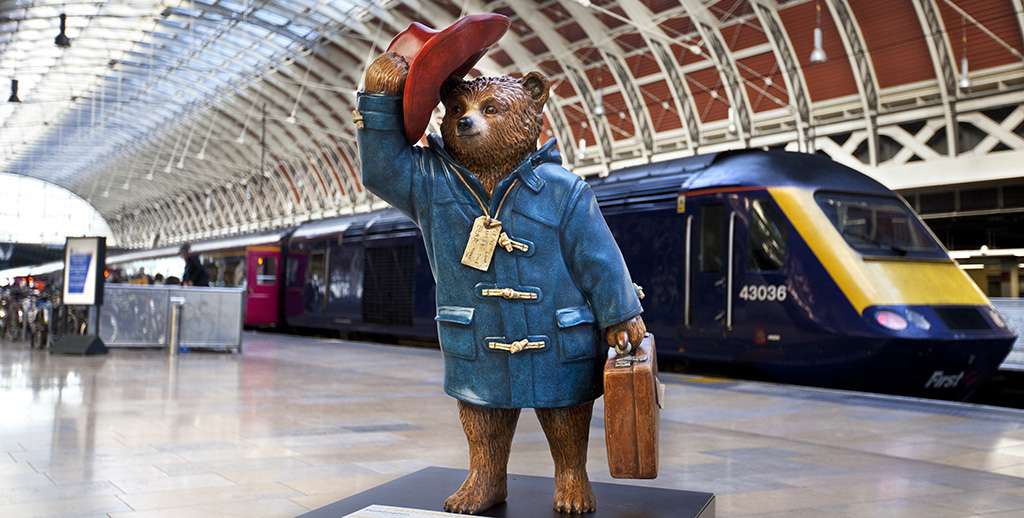 luggage storage paddington station: bear