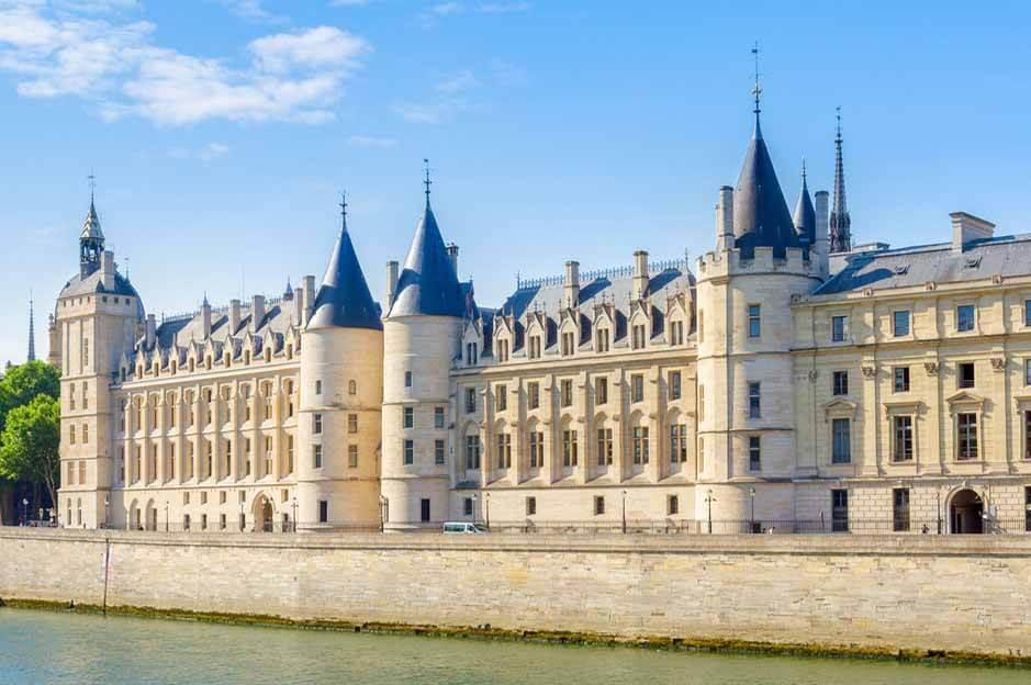 Conciergerie Paris: view