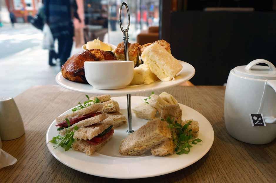 restaurants in london: near victoria station