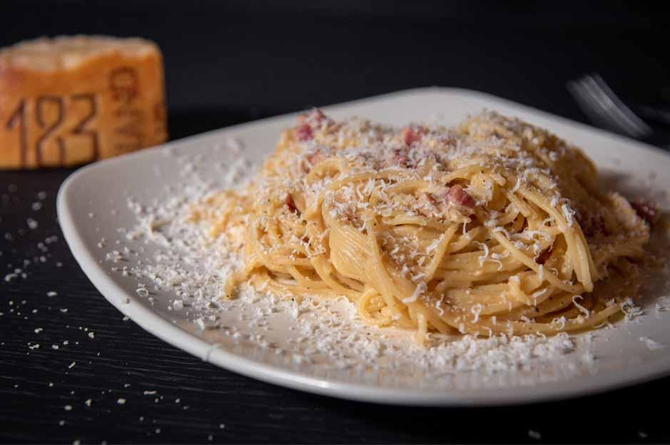 carbonara: food in Italy