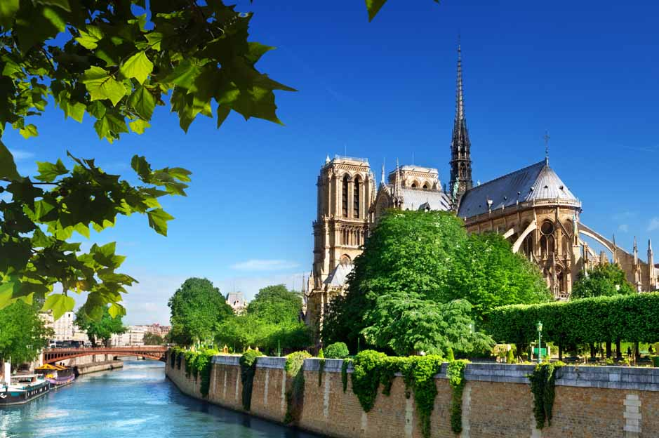 things to do in Paris for free: notre dame area