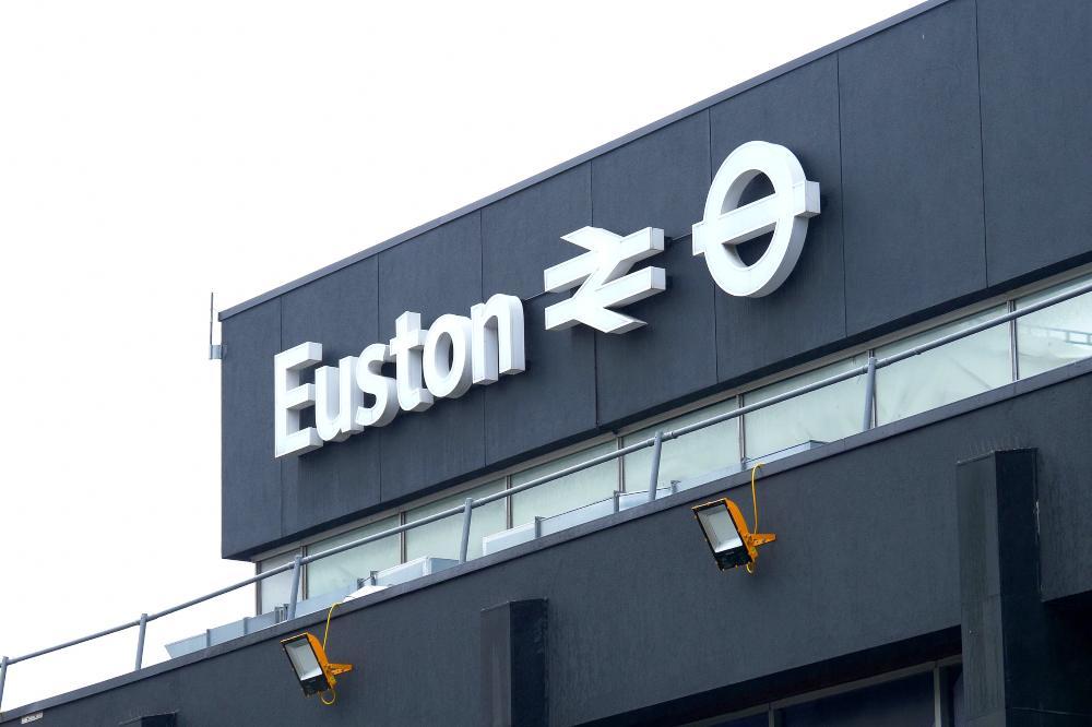 Euston train station: facilities