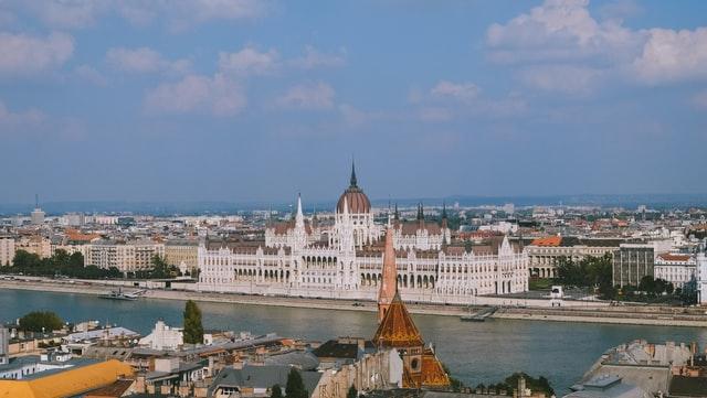 budapest parliament building: landscapes